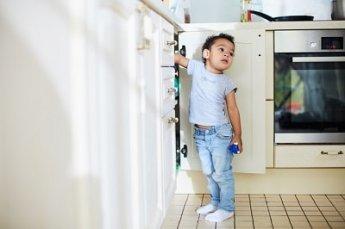 345xNxtoddler-boy-getting-into-cupboard-shironosov-iStock-min.jpg.pagespeed.ic._ZIIj_mI_Q.jpg