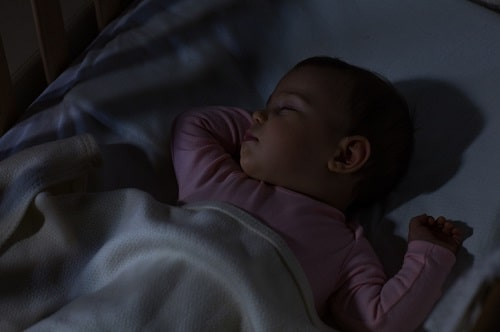 when-do-babies-sleep-through-night-mdphoto16-500x-min.jpg