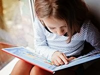 xGirl-reading-Skolova-shutterstock-200x-cropped.jpg.pagespeed.ic.sMhhoc6IjR.jpg