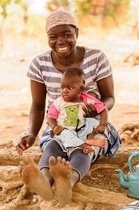 xWhen-do-babies-sit-Ghana-mother-and-infant-by-Anton_Ivanov-shutterstock-200x300-min.jpg.pagespeed.ic.0WauxrtlHa.jpg