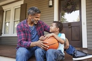 xemotion-coaching-father-son-ball-by-monkeybusinessimages300x-min.jpg.pagespeed.ic.zp-jqNKC19.jpg
