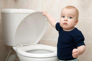 xpotty-training-age-toilet-baby-AlohaHawaii-shutterstock-min.jpg.pagespeed.ic.Or_ZZsiOwP.jpg