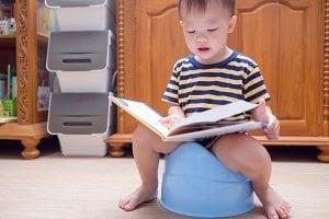 xtoddler-reading-potty-yaoinlove-istock-300x-min.jpg.pagespeed.ic.f7LIIaO71o.jpg